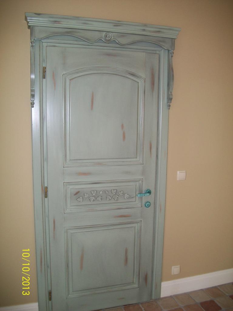 Как своими руками состарить дверь 234