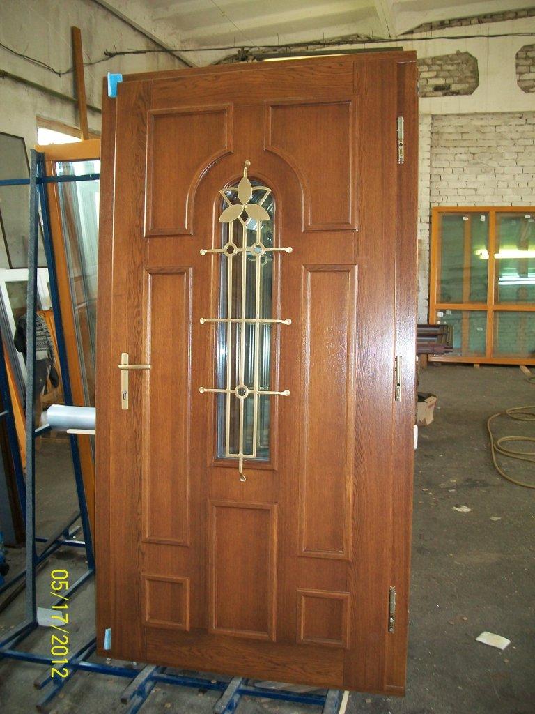 Шпонированные двери: разновидности, комплектующие